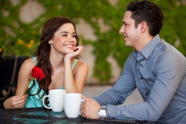 Как понять что ты нравишься парню поведение и признаки симпатии
