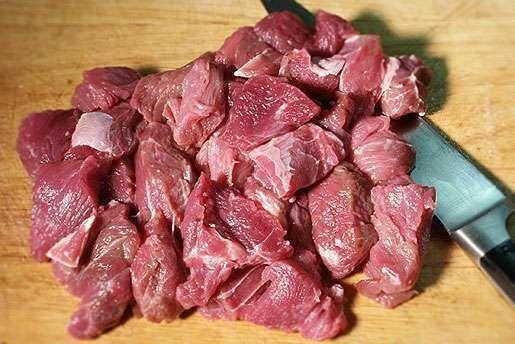 Традиционный бигос по-польски из свинины с курагой