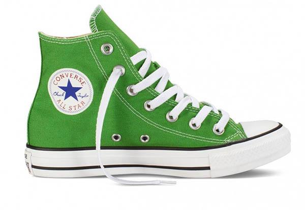 Как отмыть белую подошву на кроссовках: 7 эффективных средств