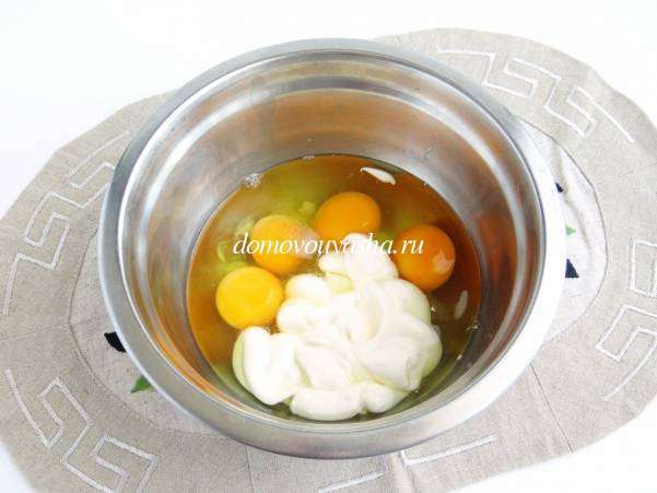 Яичный рулет с начинкой