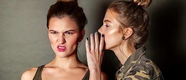 Почему люди завидуют другим: что делать с завистью