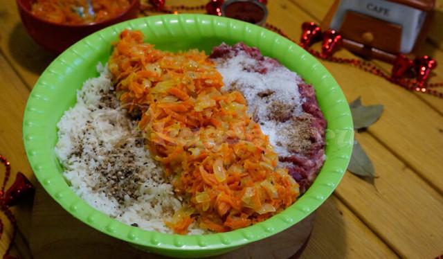 Голубцы с мясом и рисом из свежей капусты