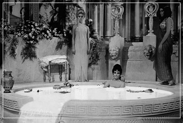 Наследие Клеопатры: молочная ванна в домашних условиях
