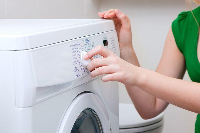Стирка пуховика в стиральной машине: тонкости чистки одежды