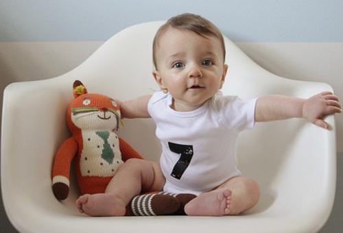 Развитие ребенка в 7 месяцев: режим дня, питание, навыки