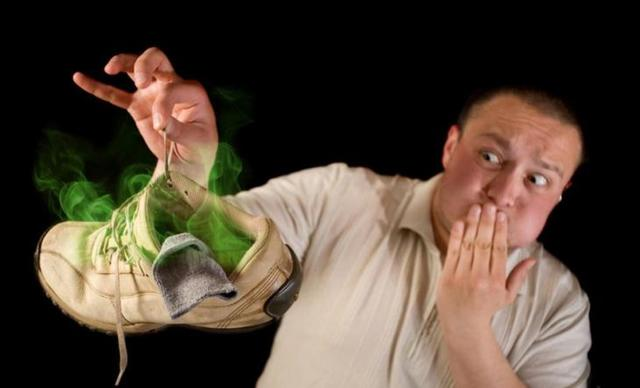 Что сделать, чтобы не пахла обувь: средства от пота, сырости, грибка