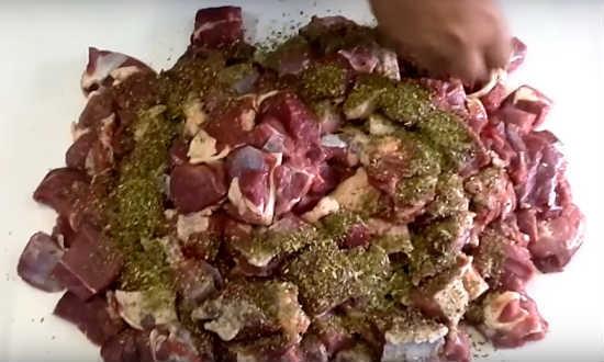 Как вкусно замариновать шашлык из баранины