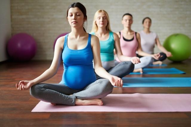 Как предотвратить растяжки во время беременности: профилактические меры