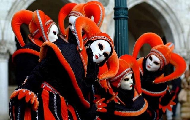 Карнавал в Венеции: грандиозное костюмированное шоу