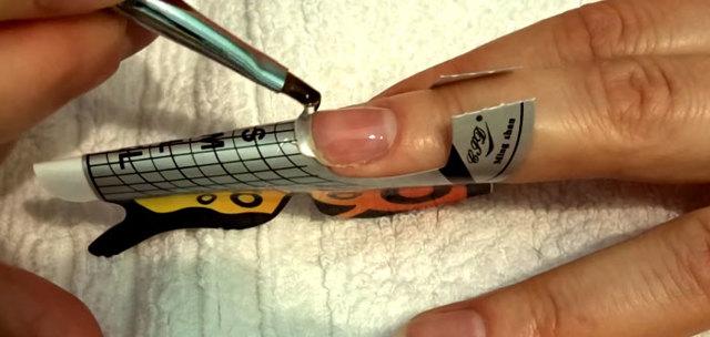 Наращивание ногтей в домашних условиях