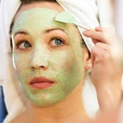 Увлажняющие маски: косметика для лица в домашних условиях