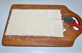 Мясные клубочки из слоеного теста