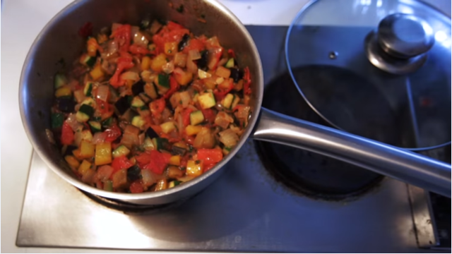 Овощной рататуй по классическому рецепту
