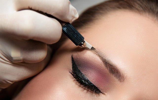 Перманентный макияж бровей и его преимущества
