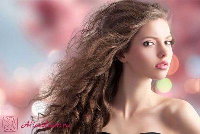 Уход за кудрявыми и волнистыми волосами