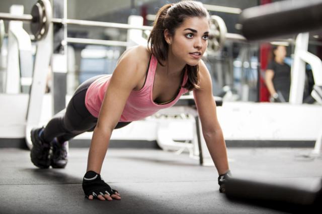 Фитнес для похудения дома: правильная работа над телом