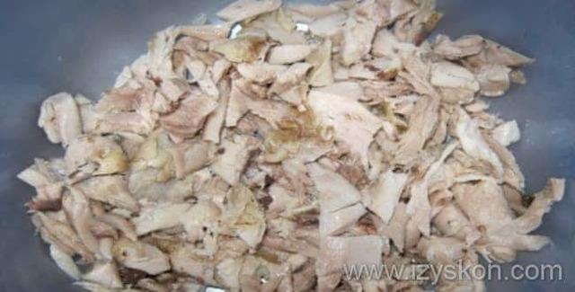 Расстегаи с мясом из слоеного теста