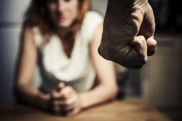 Терпеть или уйти: что делать, если муж тиран
