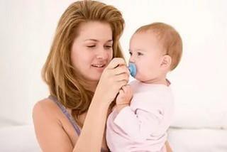 Как отучить ребенка от сосания пустышки: советы педиатров