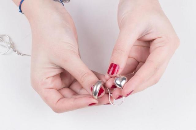 Как почистить серебро от черноты в домашних условиях: возвращаем былой блеск