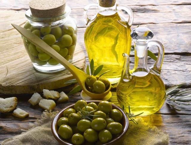 Оливковое масло для кожи лица: природный подарок женской красоте