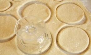 Домашние сочники с творогом из песочного теста