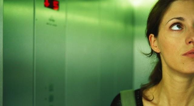 Клаустрофобия: как избавиться от боязни замкнутого пространства
