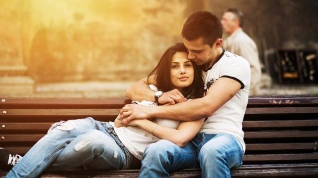 Конфетно-букетный период в отношениях: признаки, этапы, сколько длится