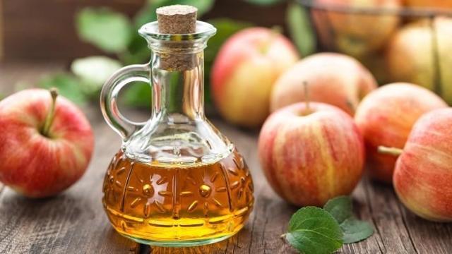 Яблочный уксус для лица: удар по морщинам и пигментации