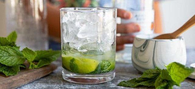 Коктейль мохито безалкогольный и алкогольный с ромом в домашних условиях