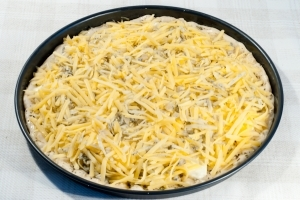 Домашняя пицца четыре сыра
