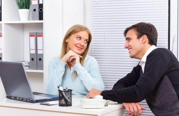Как понять, нравишься ли ты мужчине: признаки симпатии