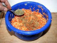 Картофельная запеканка с сыром и беконом в духовке